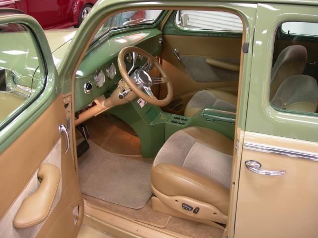 COOL 1939 Nash Ambassador