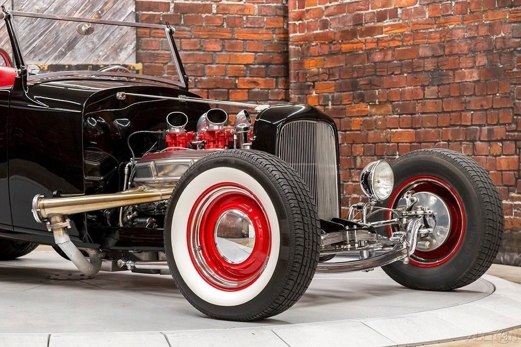 VERY NICE 1930 Ford Model A Roadster Hiboy